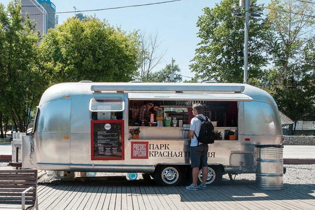 Фастфуд на колесах как уличный бизнес: План и оборудование