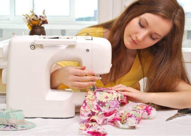 Надомная работа для женщин в 2020 году: Вакансии заработка в домашних условиях