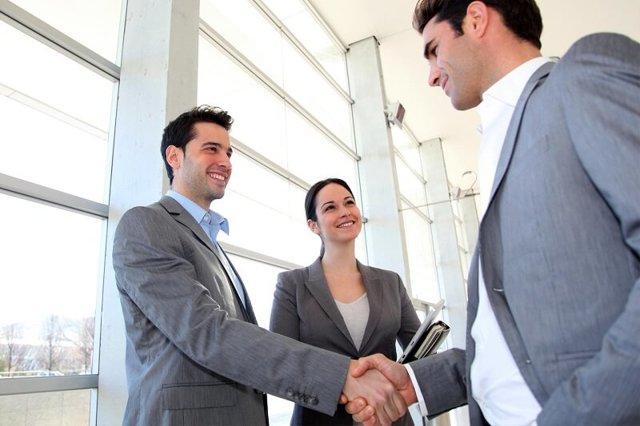 Как стать менеджером по продажам с нуля: Сколько он зарабатывает?