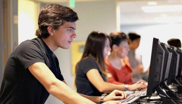Где и кем можно работать в 15 лет: Работа для подростков в Москве
