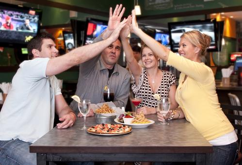 Как открыть спорт бар: расписанная инструкция
