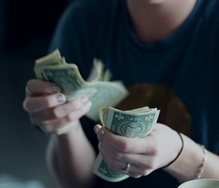 Где можно взять деньги в долг: 5 вариантов