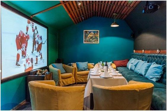 Бизнес-идея открытия кино-кафе: 8 характерных услуг   6 преимуществ